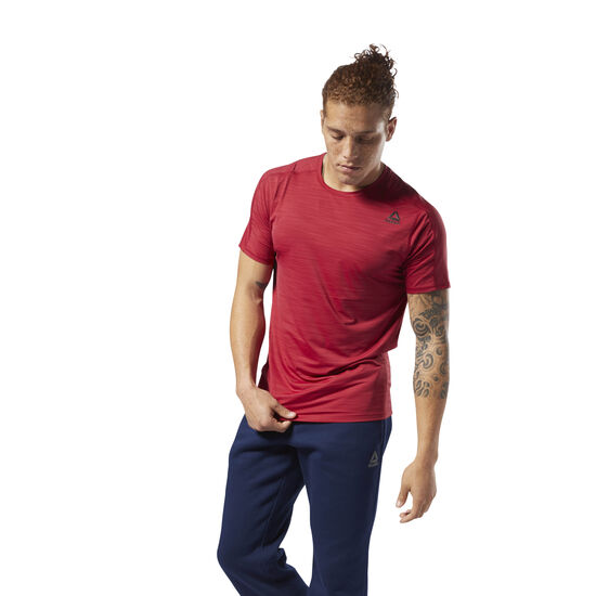 Reebok - ACTIVCHILL Move Tee Cranberry Red D93744