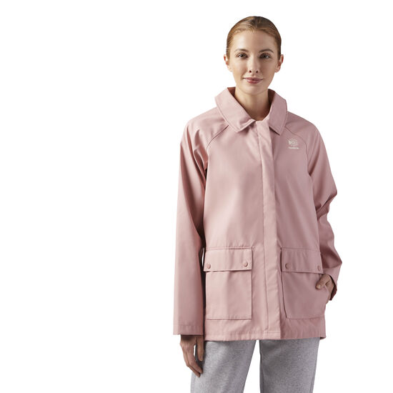Reebok - Relaxed Fit Coach Jacket Chalk Pink CE1802